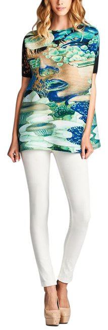 Preload https://img-static.tradesy.com/item/21028494/green-artistic-pleated-tunic-size-os-one-size-0-1-650-650.jpg
