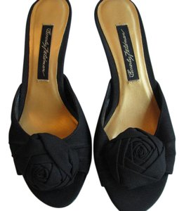 Beverly Feldman black Mules