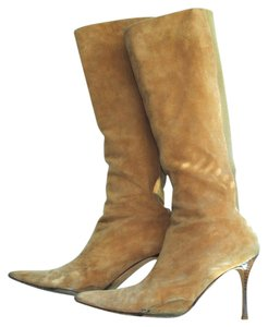 Manolo Blahnik Suede Pointed Toe Suede Pointy Pull Camel Boots