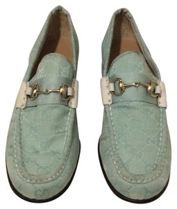 Gucci blue light Flats
