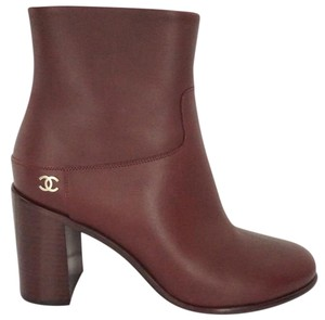 Chanel 7020103 Logo High Heels Burgundy Boots