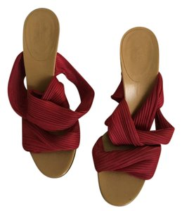 Gucci Pleated Ankle Wrap Pumps Wood Heel Open Toe Red Sandals