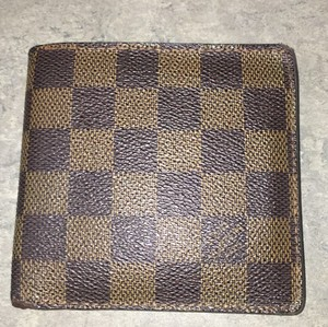 Louis Vuitton LOUIS VUITTON leather Damier Bifold Wallet with Coin Pocket