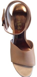 Guess By Marciano Tan Mules
