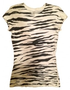 Rue 21 T Shirt Black and White