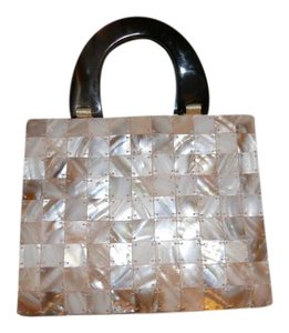 Shiraleah Shell Tiles Tortoise Handles Mother of Pearl/Brown Clutch