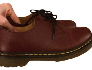 Dr. Martens Leather Oxford Classic Oxblood/cherry Flats