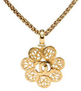 Chanel Chanel Gold CC Vintage Flower Medallion Long Necklace 95A
