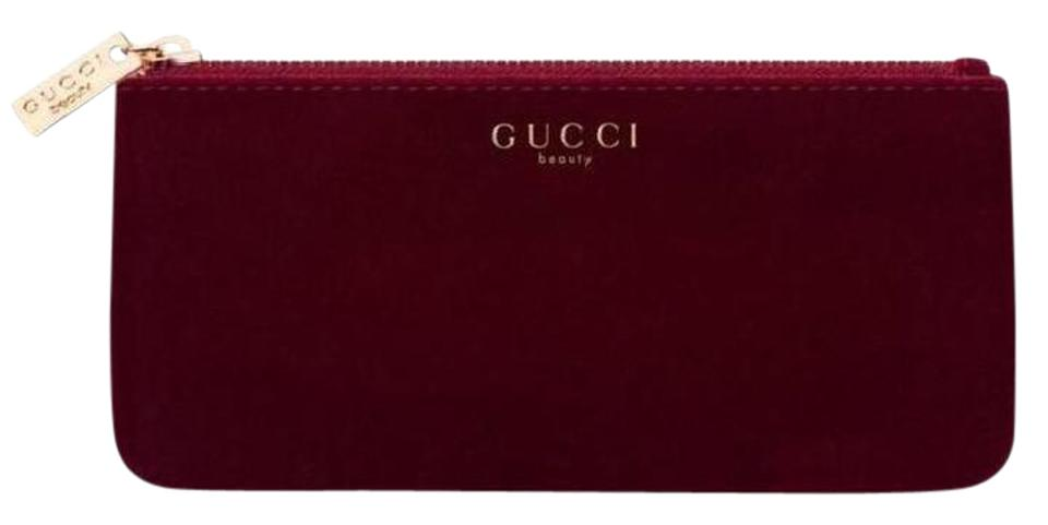 75979657ee1d Gucci Gucci Beauty Red Cosmetic Pouch Makeup Bag velvet cosmetic case  clutch Image 0 ...