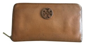 Tory Burch BOMBE T ZIP CONTINENTAL WALLET