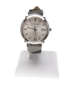 Burberry Burberry Nova Check Quartz Watch (117970)