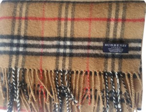 Burberry Burberry London 100 Lambswool Scarf