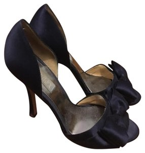 Badgley Mischka Navy Blue Pumps