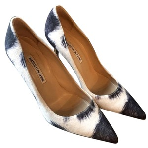 Manolo Blahnik Chic Modern Sexy Like New white and charcoal grey Pumps
