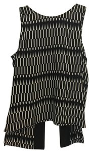 Parker Top black and white print