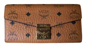 MCM MCM Large Patricia Visetos Canvas Wallet with Chain
