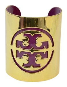 Tory Burch TORY BURCH GOLD POLISHED WIDE CUFF WITH PURPLE DOUBLE T LOGO NT