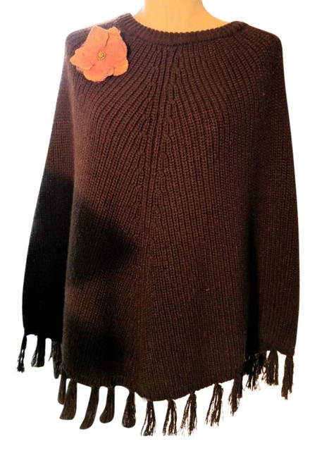 Item - Brown Knitted Poncho/Cape Size OS (one size)
