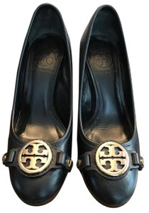 Tory Burch Gold Hardware Black Pumps