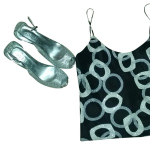 Laundry by Shelli Segal Top Black with grey and white circle design