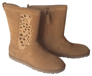 UGG Australia New With Tags Nwt Cut-out Floral Chestnut Boots