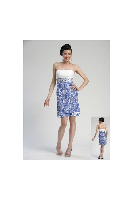 Item - Ivory/Blue Strapless Short Formal Dress Size 8 (M)