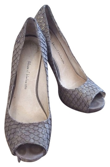 House of Harlow 1960 Taupe Pumps