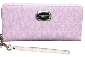Michael Kors MK Wallet Jet Set Continental Travel Pink Wrislet