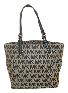 Michael Kors Next Day Shipping Tote in Black / Beige