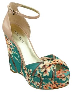 Nine West Cream and green Wedges