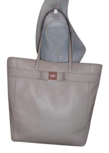 Kate Spade Stylish Leather Tote in gray