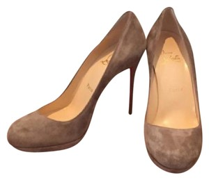 Christian Louboutin beige/taupe Pumps