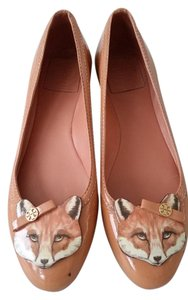 Tory Burch Fox Ballet Leather Patent Leather Chestnut Flats