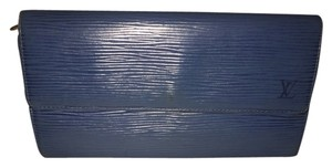Louis Vuitton Louis Vuitton Blue Epi Leather Long Wallet Sarah LVTL08