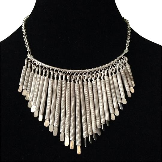 Preload https://item1.tradesy.com/images/silver-stick-statement-necklace-2104120-0-0.jpg?width=440&height=440
