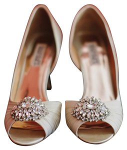 Badgley Mischka Classic Elegant Badgley Mischka Pump Wedding Shoes