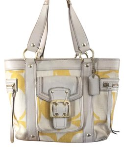 Coach Tote in off white