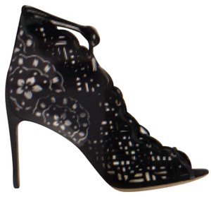 Nicholas Kirkwood black with silver design Pumps