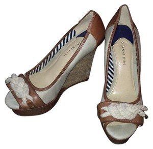 Gianni Bini cream and tan Wedges