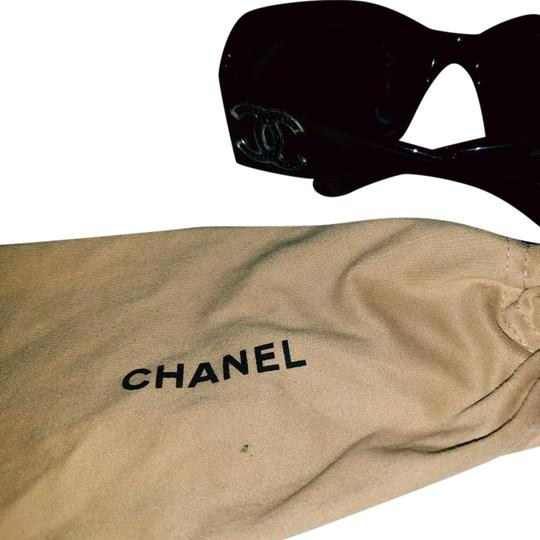Preload https://img-static.tradesy.com/item/21043625/chanel-black-couture-quilted-leather-sunglasses-0-5-540-540.jpg