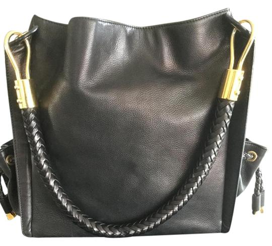 Preload https://img-static.tradesy.com/item/21043778/michael-kors-scorpio-collection-black-leather-shoulder-bag-0-1-540-540.jpg