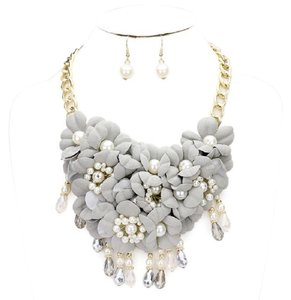 Other Flower Cluster Pearl Beads Necklace And Earring Set