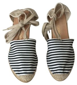 Andre Assous black white stripe / canvas Wedges