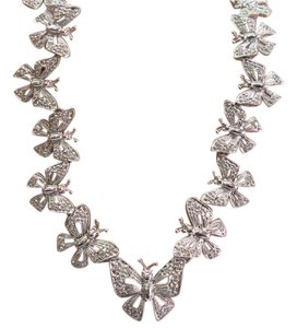 Other 18Kt Butterfly Diamond & White Gold Necklace 1.00Ct 17
