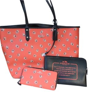 Coach Nwt New With Tags Set Tote in Watermelon / Black