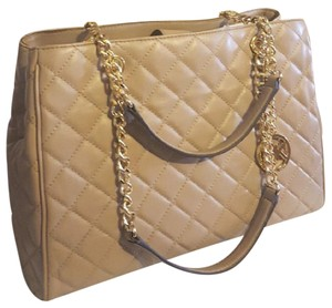 Michael Kors Susannah Quilted Leater Leather Tote in Dark Khaki