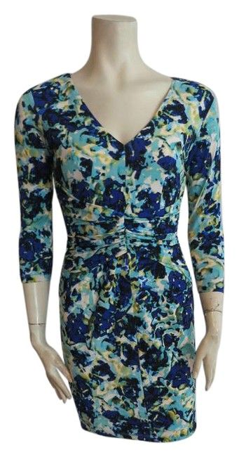 Preload https://img-static.tradesy.com/item/21045265/ann-taylor-multicolor-floral-print-stretchy-short-casual-dress-size-2-xs-0-1-650-650.jpg