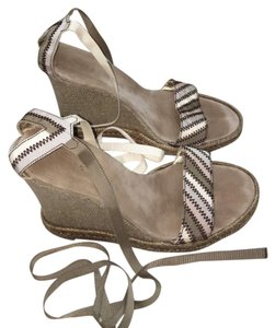 Marc Jacobs tan Wedges
