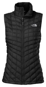 The North Face Lightweight Breathable Water-repellant Logo Vest