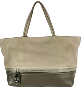 Salvatore Ferragamo Expandable Brown Leather Large Brown Hobo Tote in taupe/brown